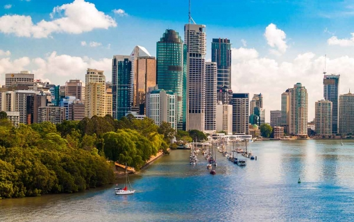 Record numbers cross the ditch to Brisbane